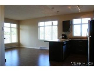 Photo 3: 302 2220 Sooke Rd in VICTORIA: Co Hatley Park Condo for sale (Colwood)  : MLS®# 482680
