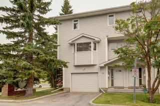 Photo 2: 101 Glenbrook Villas SW in Calgary: Glenbrook Row/Townhouse for sale : MLS®# A1141903