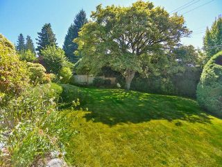 """Photo 8: 2095 MATHERS Avenue in West Vancouver: Ambleside House for sale in """"AMBLESIDE"""" : MLS®# V1078754"""