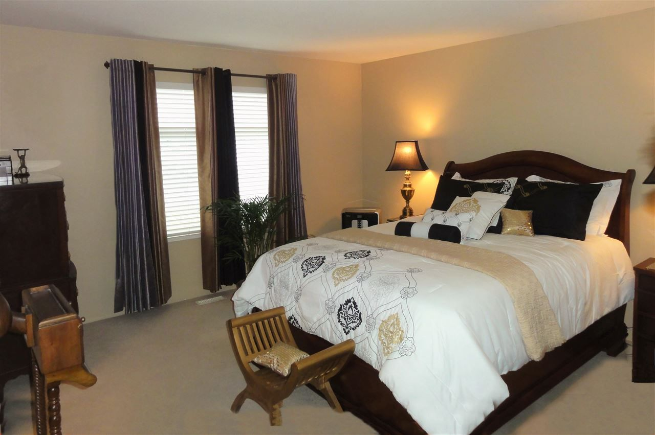 """Photo 9: Photos: 5883 148A Street in Surrey: Sullivan Station House for sale in """"Panorama Village"""" : MLS®# R2032102"""