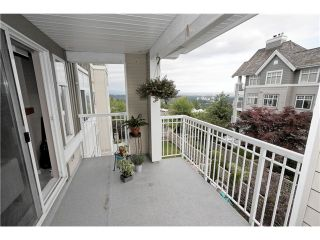 """Photo 12: 304 1428 PARKWAY Boulevard in Coquitlam: Westwood Plateau Condo for sale in """"MONTREAUX"""" : MLS®# V1072505"""