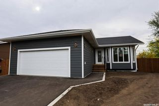 Photo 1: 351 29th Street in Battleford: Residential for sale : MLS®# SK871813