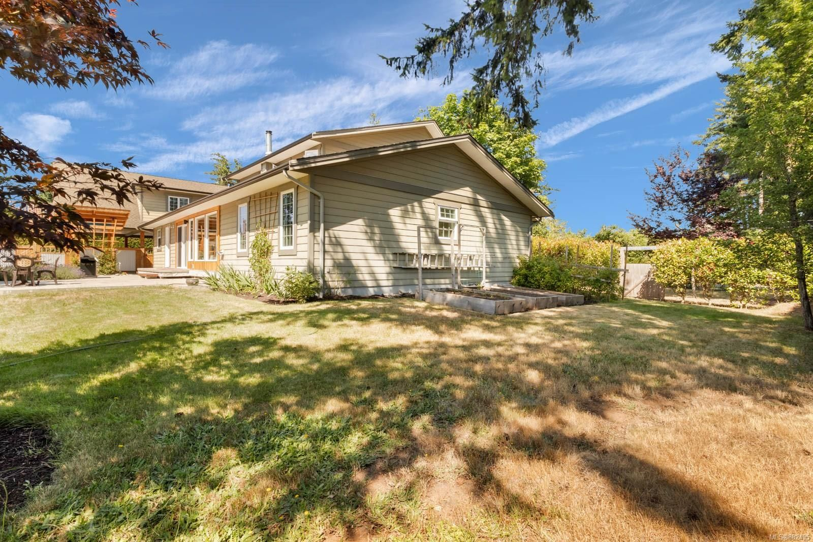 Photo 33: Photos: 375 Butchers Rd in : CV Comox (Town of) House for sale (Comox Valley)  : MLS®# 882495