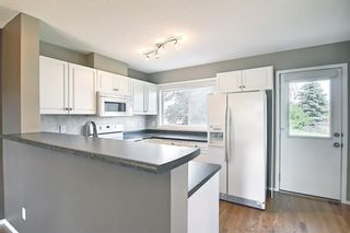 Photo 12: 201 Prestwick Circle SE in Calgary: McKenzie Towne Row/Townhouse for sale : MLS®# A1130382