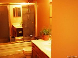 Photo 13: 2211 Kenderdine Road in Saskatoon: Erindale Single Family Dwelling for sale (Saskatoon Area 01)  : MLS®# 448366