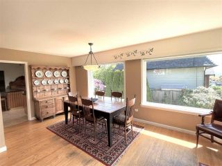 """Photo 19: 1066 CYPRESS Street: White Rock House for sale in """"Hillside"""" (South Surrey White Rock)  : MLS®# R2579690"""