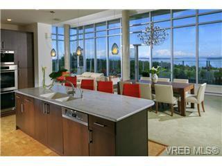 Photo 5: 601 748 Sayward Hill Terrace in Victoria: Cordova Bay Condo for sale : MLS®# 351568