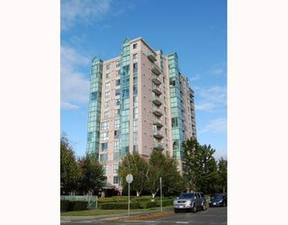 """Photo 1: 503 2988 ALDER Street in Vancouver: Fairview VW Condo for sale in """"SHAUGHNESSY GATE"""" (Vancouver West)  : MLS®# V789986"""