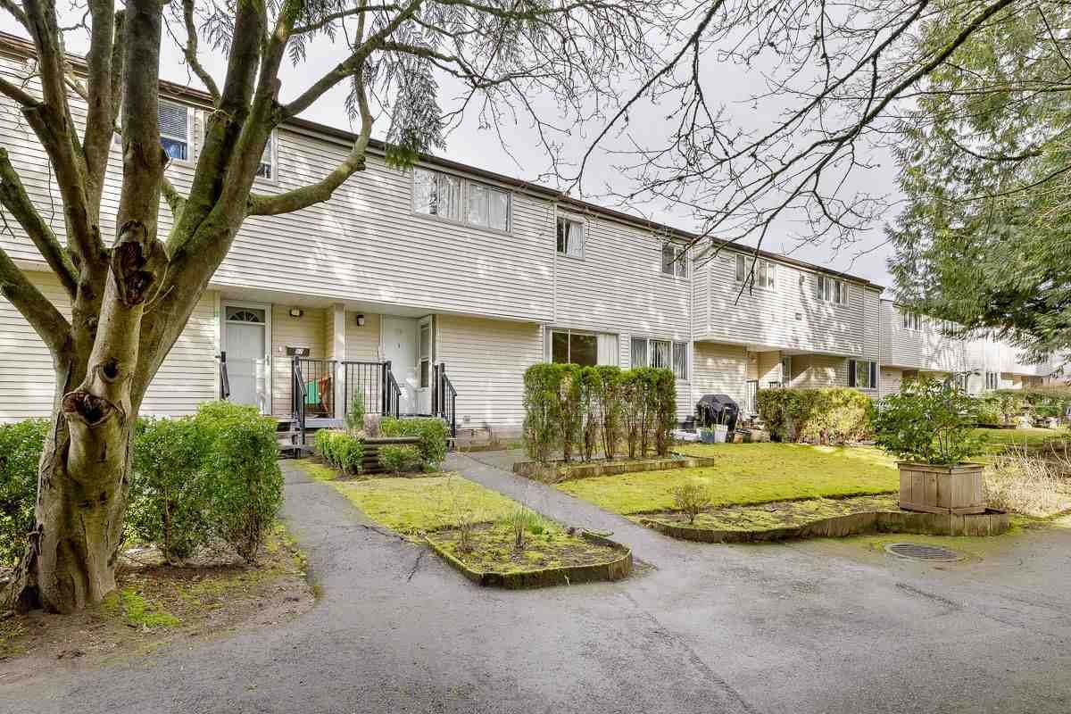 Main Photo: 98 3445 E 49TH Avenue in Vancouver: Killarney VE Townhouse for sale (Vancouver East)  : MLS®# R2548440
