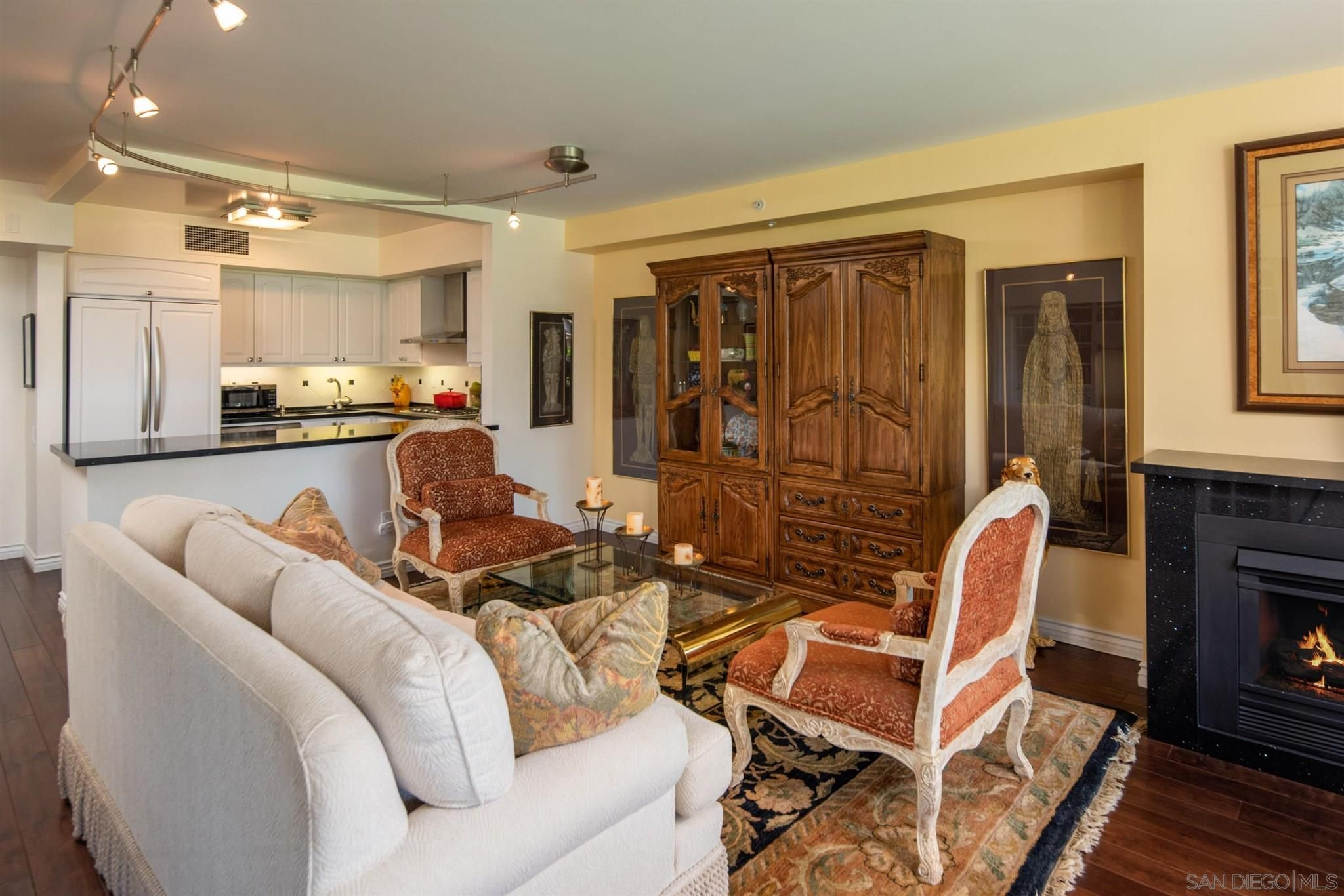 Main Photo: DOWNTOWN Condo for sale : 2 bedrooms : 500 W Harbor Drive #405 in San Diego