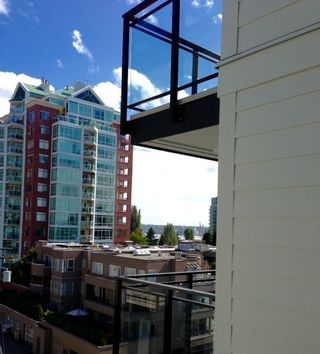 Photo 9: 415 111 E 3RD STREET in North Vancouver: Lower Lonsdale Condo for sale : MLS®# R2078516