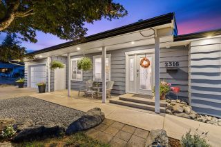 Photo 3: 2316 CASCADE Street in Abbotsford: Abbotsford West House for sale : MLS®# R2614188