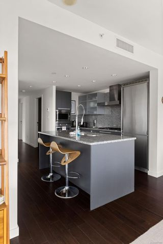 Photo 9: N1002 707 Courtney St in : Vi Downtown Condo for sale (Victoria)  : MLS®# 867405
