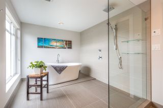 Photo 5: 6196 LOOKOUT Avenue in Sechelt: Sechelt District House for sale (Sunshine Coast)  : MLS®# R2496666