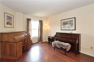 Photo 3: 282 Tranquil Court in Pickering: Highbush House (2-Storey) for sale : MLS®# E3880942
