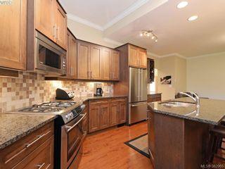 Photo 7: 541 Heatherdale Lane in VICTORIA: SW Royal Oak Row/Townhouse for sale (Saanich West)  : MLS®# 769630