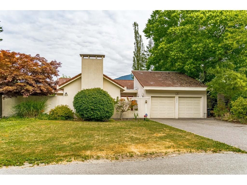 Main Photo: 2817 HENRY Street in Port Moody: Port Moody Centre House for sale : MLS®# R2601227