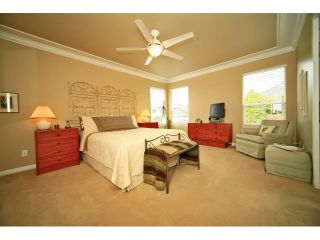 Photo 11: 6484 CLAYTONWOOD Gate in Surrey: Cloverdale BC House for sale (Cloverdale)  : MLS®# F1214656