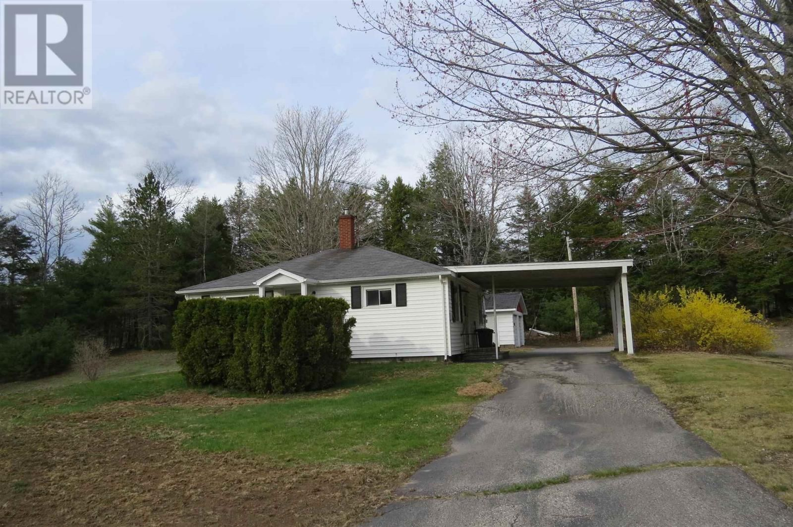 Main Photo: 1980 Highway 10 in West Northfield: House for sale : MLS®# 202110415