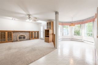 """Photo 5: 19041 62 Avenue in Surrey: Cloverdale BC House for sale in """"Cloverdale Hilltop"""" (Cloverdale)  : MLS®# R2307623"""