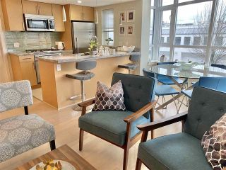 """Photo 5: 303 89 W 2ND Avenue in Vancouver: False Creek Condo for sale in """"Pinnacle Living False Creek"""" (Vancouver West)  : MLS®# R2536464"""