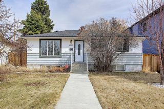 Photo 1: 4328 70 Street NW in Calgary: Bowness Detached for sale : MLS®# A1093003
