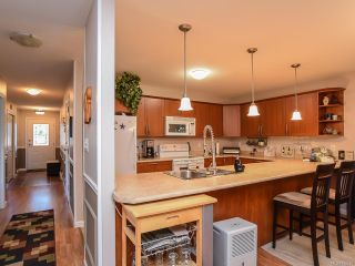 Photo 2: 50 2728 1ST STREET in COURTENAY: CV Courtenay City Row/Townhouse for sale (Comox Valley)  : MLS®# 752465