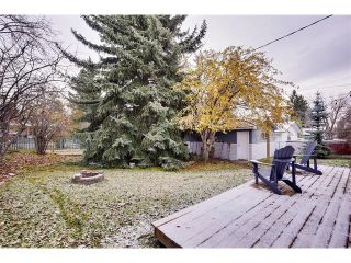 Photo 22: 4032 GROVE HILL Road SW in Calgary: Glendale House for sale : MLS®# C4088063