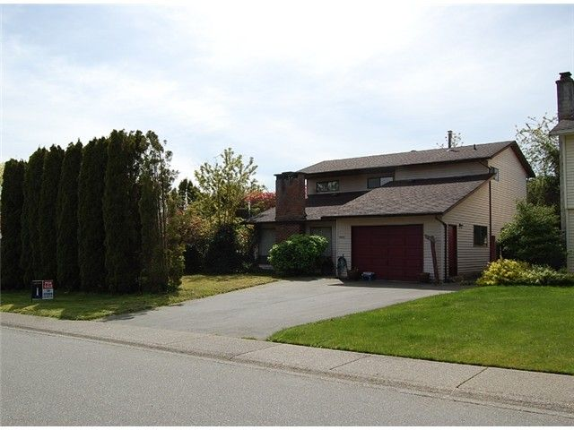 Main Photo: 21212 95TH Avenue in Langley: Walnut Grove House for sale : MLS®# F1410498
