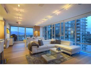 """Photo 1: 1203 918 COOPERAGE Way in Vancouver: Yaletown Condo for sale in """"THE MARINER"""" (Vancouver West)  : MLS®# V1048985"""