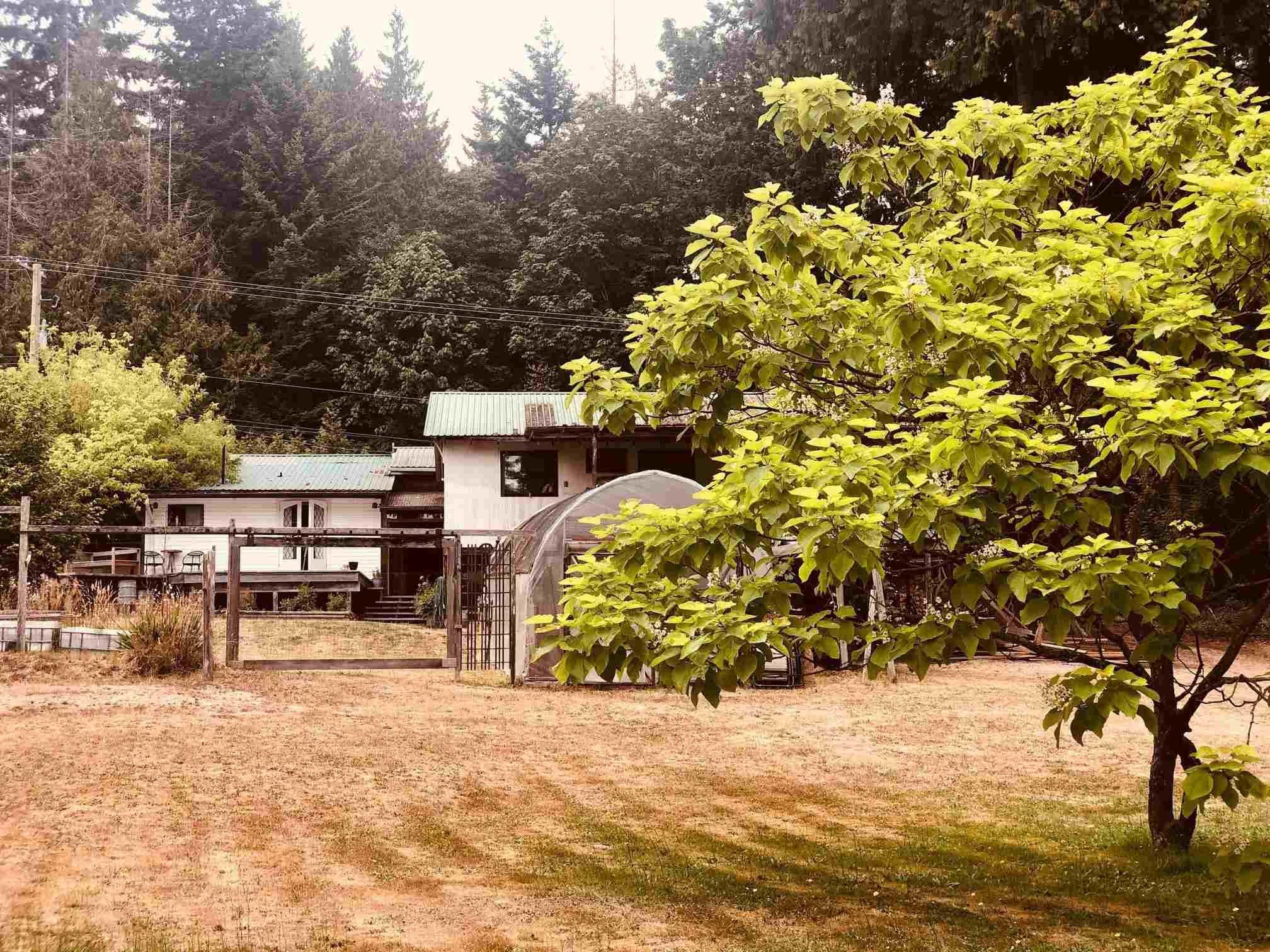 Main Photo: 2897 SUNSHINE COAST Highway: Roberts Creek House for sale (Sunshine Coast)  : MLS®# R2602692