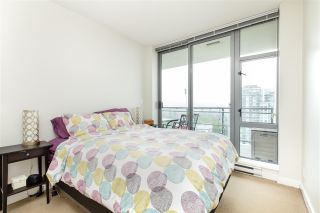 """Photo 12: 1803 280 ROSS Drive in New Westminster: Fraserview NW Condo for sale in """"THE CARLYLE"""" : MLS®# R2376749"""