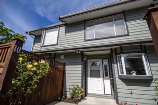 Photo 1: 10 630 Huxley St in Saanich: SW Tillicum Row/Townhouse for sale (Saanich West)  : MLS®# 840508