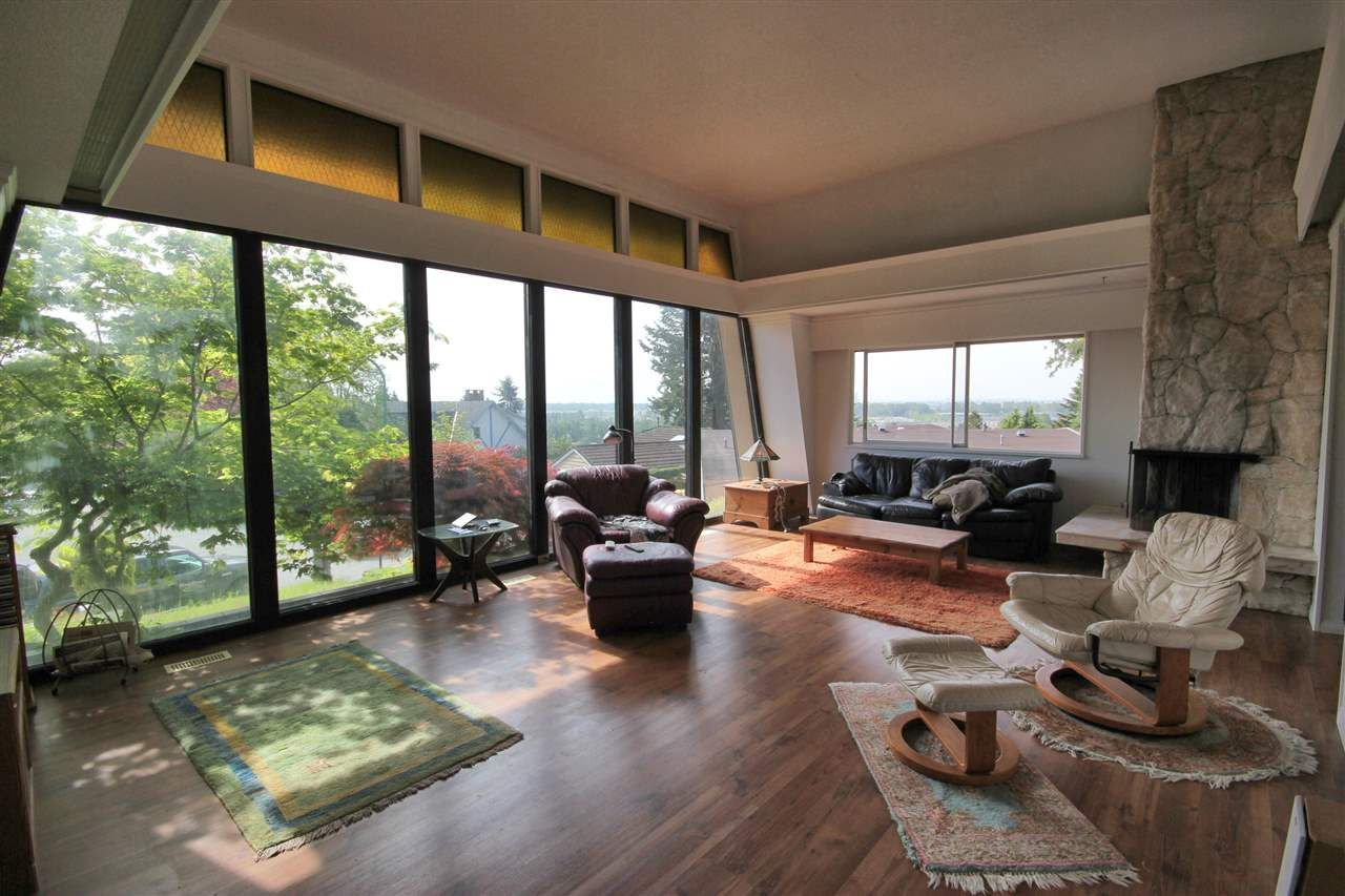 Photo 12: Photos: 4807 PATRICK PLACE in Burnaby: South Slope House for sale (Burnaby South)