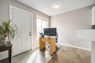 Photo 4: 217 Mount Allan Circle SE in Calgary: McKenzie Lake Detached for sale : MLS®# A1102735