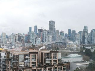 "Photo 18: 900 1570 W 7TH Avenue in Vancouver: Fairview VW Condo for sale in ""Terraces on 7th"" (Vancouver West)  : MLS®# R2532218"
