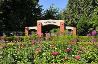 """Photo 12: 315 2468 ATKINS Avenue in Port Coquitlam: Central Pt Coquitlam Condo for sale in """"THE BORDEAUX"""" : MLS®# R2195449"""