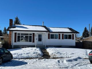 Photo 1: 127 MADDOCK Way NE in Calgary: Marlborough Park Detached for sale : MLS®# A1072674