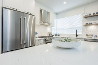 """Photo 3: 86 20150 81 Avenue in Langley: Willoughby Heights Townhouse for sale in """"Verge"""" : MLS®# R2540379"""