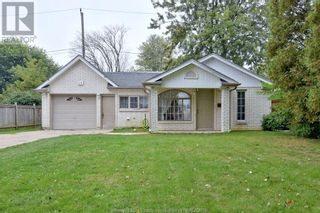 Photo 1: 19 WESTMORELAND in Leamington: House for sale : MLS®# 21019907