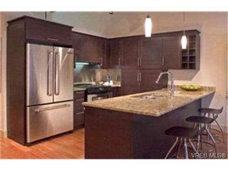 Photo 2: 304 737 Humboldt St in : Vi Downtown Condo for sale (Victoria)  : MLS®# 416148