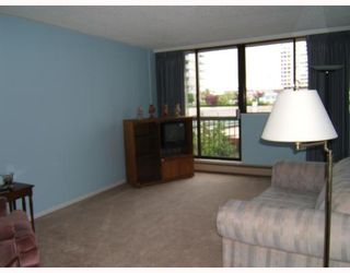 """Photo 2: 605 620 7TH Avenue in New_Westminster: Uptown NW Condo for sale in """"Charter House"""" (New Westminster)  : MLS®# V660368"""