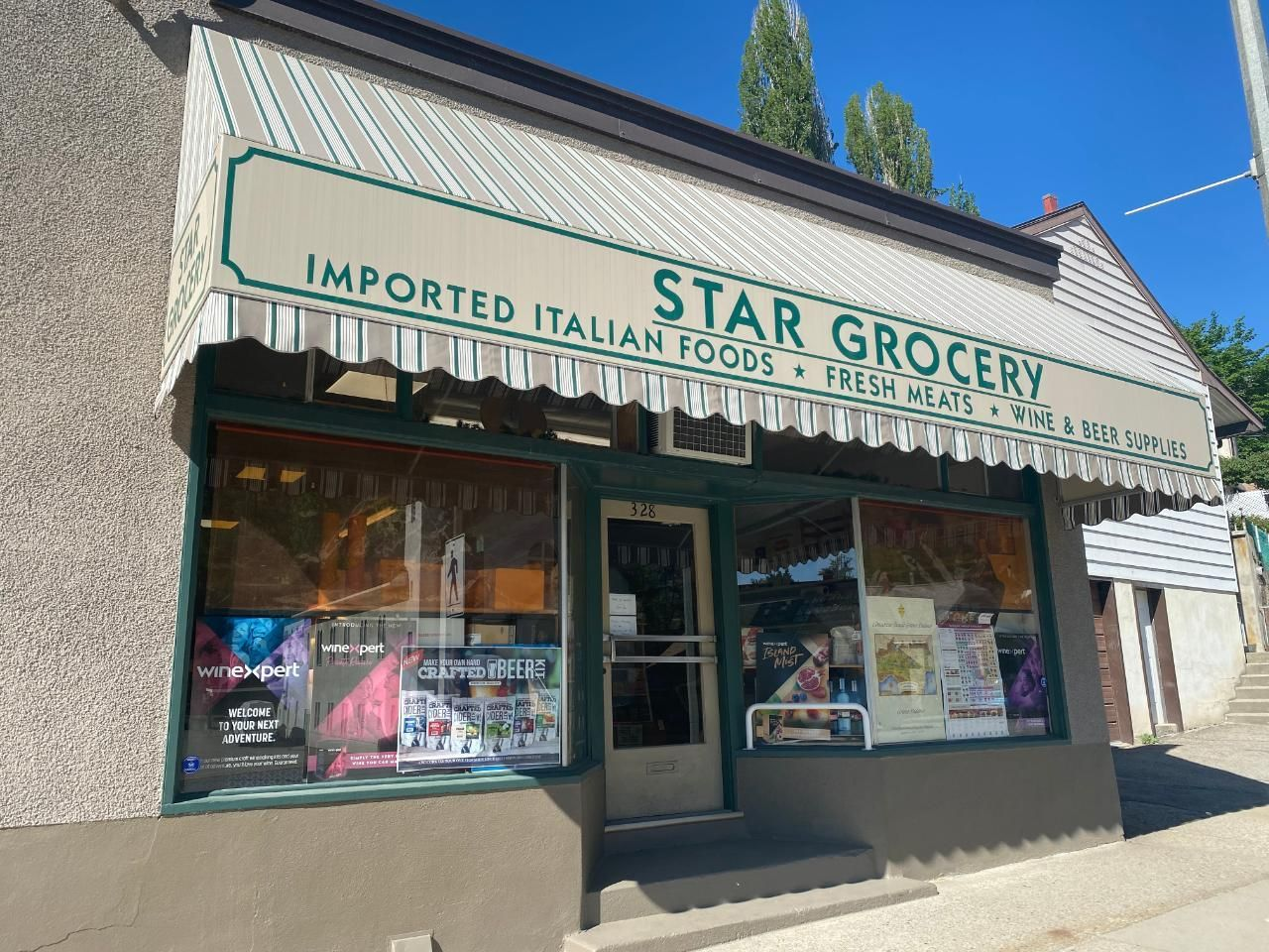 Main Photo: 420,426 ROSSLAND AVENUE in Trail: Retail for sale : MLS®# 2459289