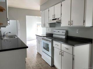 Photo 6: 784 Revilo Pl in VICTORIA: La Langford Proper Half Duplex for sale (Langford)  : MLS®# 832704