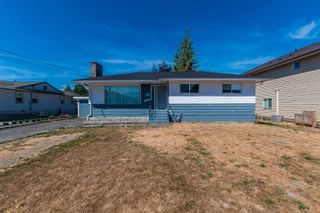 Main Photo: 10253 KENT Road in Chilliwack: Fairfield Island House for sale : MLS®# R2618255