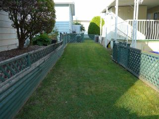 """Photo 4: 29 2120 KING GEORGE Boulevard in Surrey: King George Corridor Manufactured Home for sale in """"Five Oaks Park"""" (South Surrey White Rock)  : MLS®# R2485760"""
