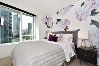 "Photo 1: 710 68 SMITHE Street in Vancouver: Downtown VW Condo for sale in ""ONE PACIFIC"" (Vancouver West)  : MLS®# R2403870"