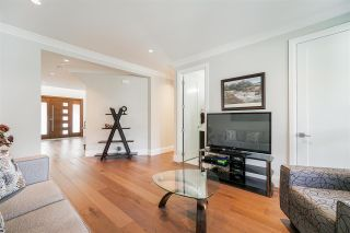 """Photo 22: 1551 ARCHIBALD Road: White Rock House for sale in """"West White Rock"""" (South Surrey White Rock)  : MLS®# R2584114"""