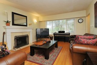 """Photo 2: 65 E 40TH Avenue in Vancouver: Main House for sale in """"Main Street"""" (Vancouver East)  : MLS®# R2050054"""