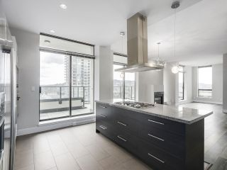 """Photo 9: 1901 2959 GLEN Drive in Coquitlam: North Coquitlam Condo for sale in """"THE PARC"""" : MLS®# R2149009"""